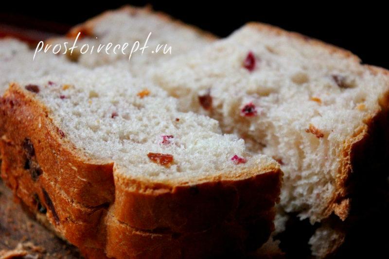 Домашний белый хлеб с брусникой