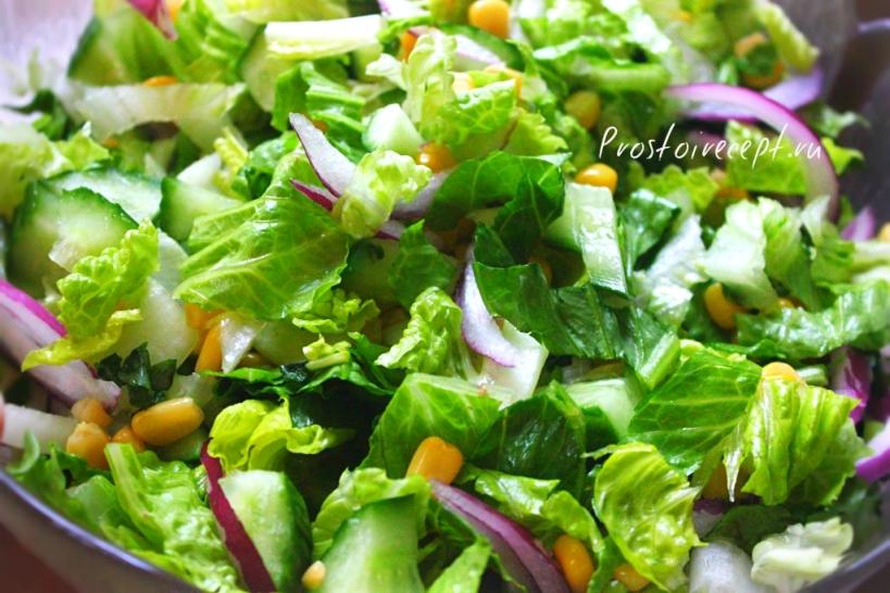 Салат с огурцом и кукурузой